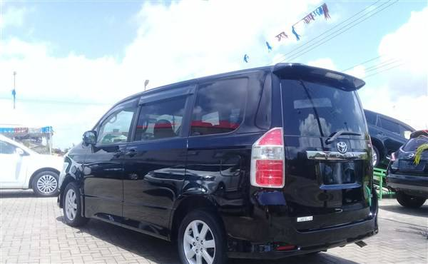 Toyota Noah Van For Hire Nairobi 2